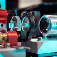 University of Bonn Physicists Discover New Phase Transition in Optical Bose-Einstein Condensate of Light Particles